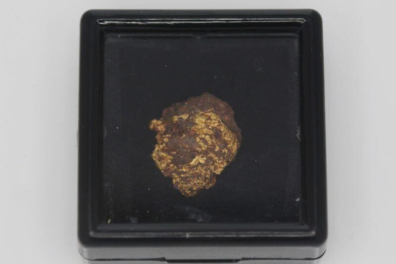 Natural Australian Gold Nugget Specimen - 2.41g 7
