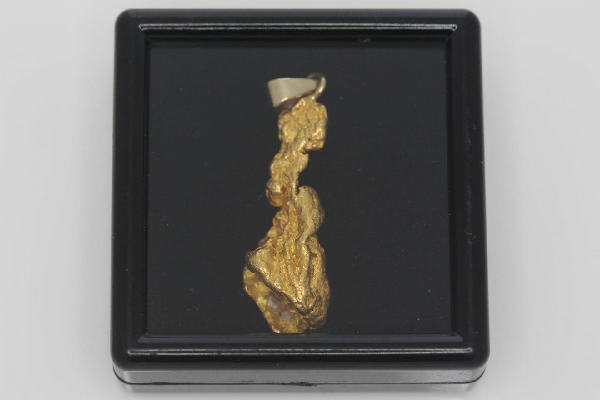 Natural Australian Gold Nugget Pendant - 6.94g 10