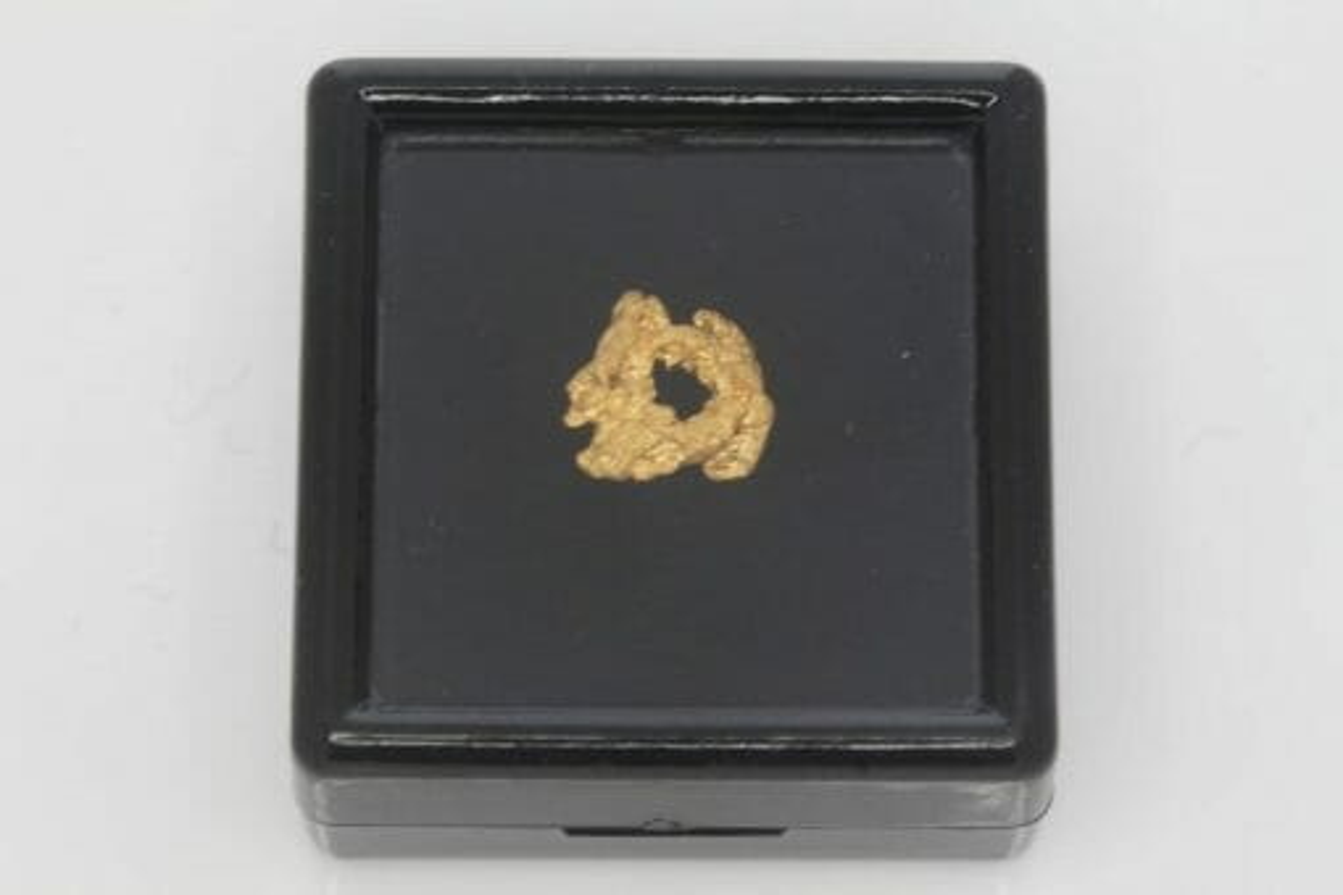 Natural Western Australian Gold Nugget - 0.74g 5